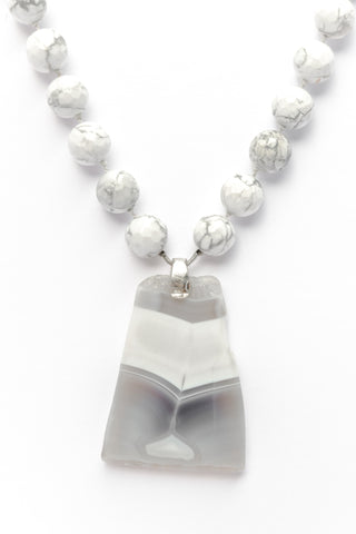 Summer Whites Beaded Agate Necklace