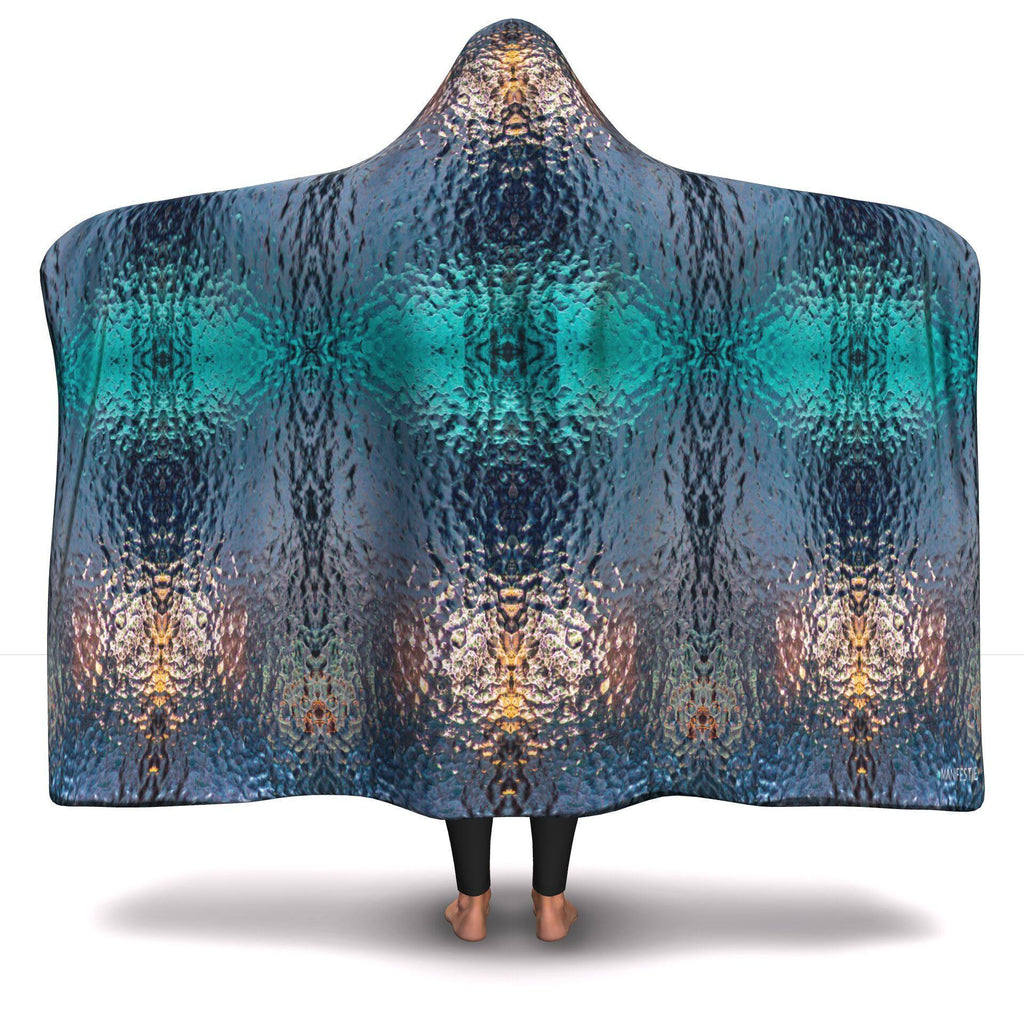 MICRODROP HOODED BLANKET