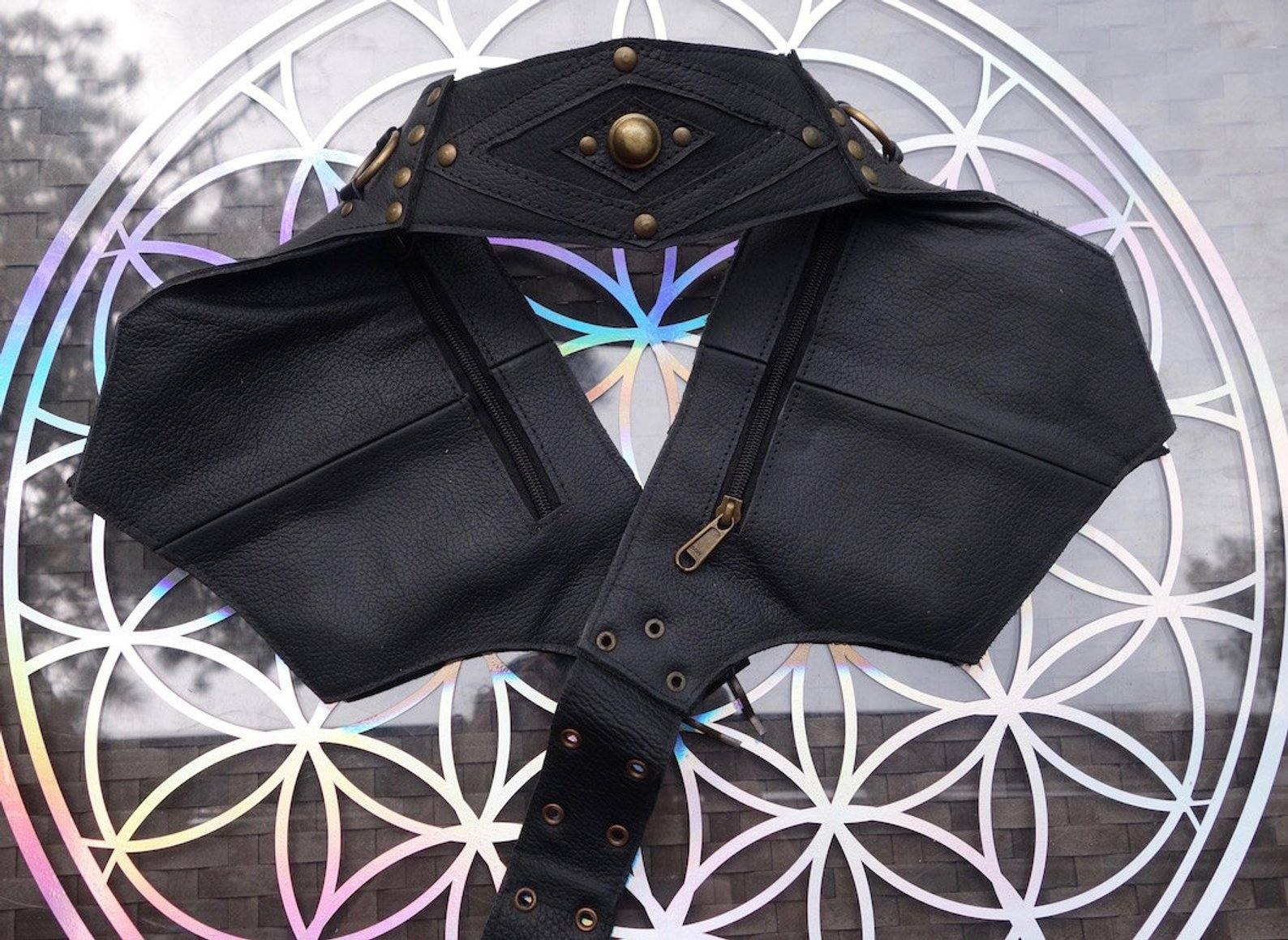 Leather Utility Belt | Winged Black, 4 Pocket | Saddle | travel, cosplay, festival