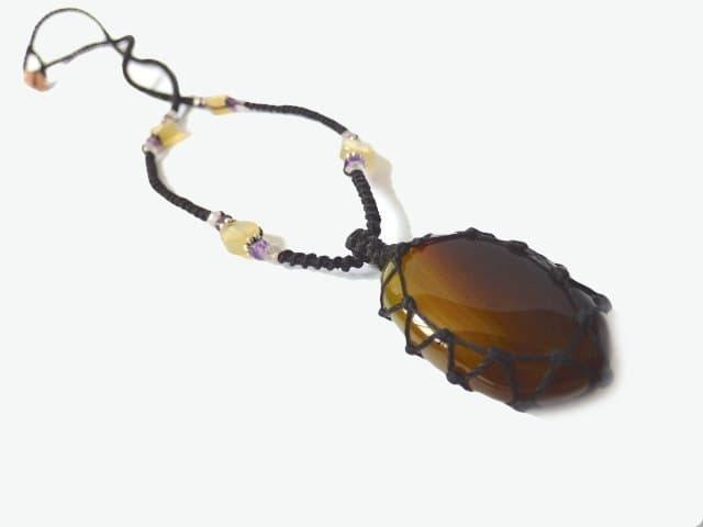 Agate macrame Necklace – Your Stone For Protection – Bohemian healing crystal- chalcedony