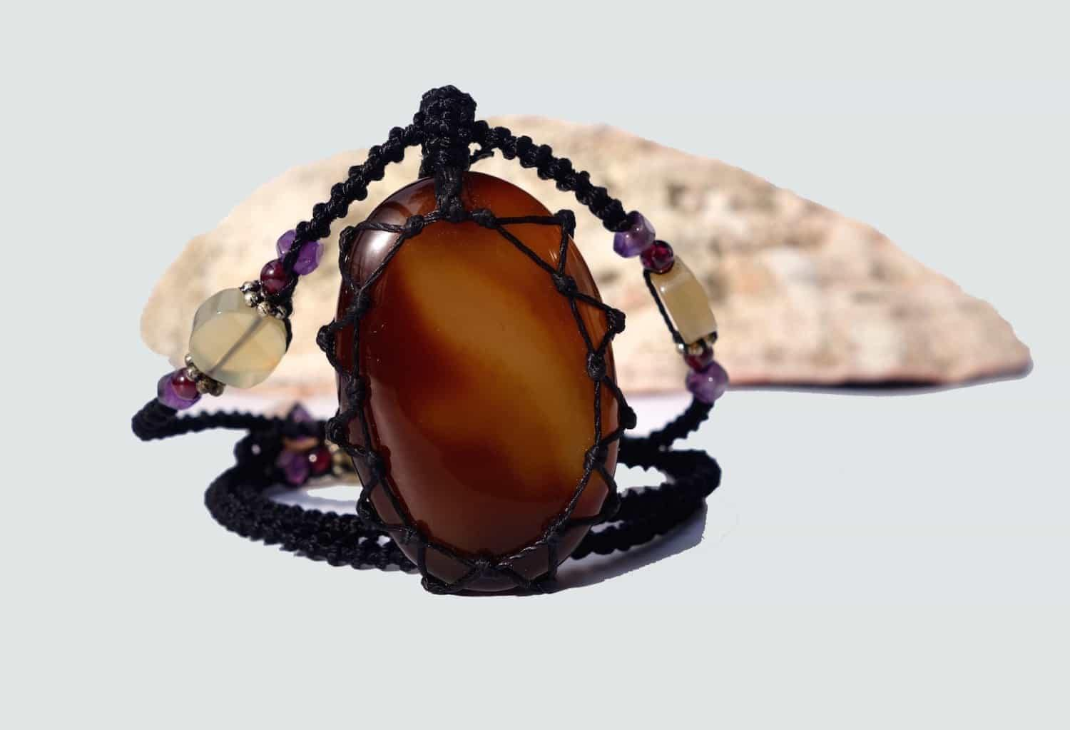Agate Macrame Necklace | Your Stone For Protection| Unisex healing crystal- chalcedony - Manifestie