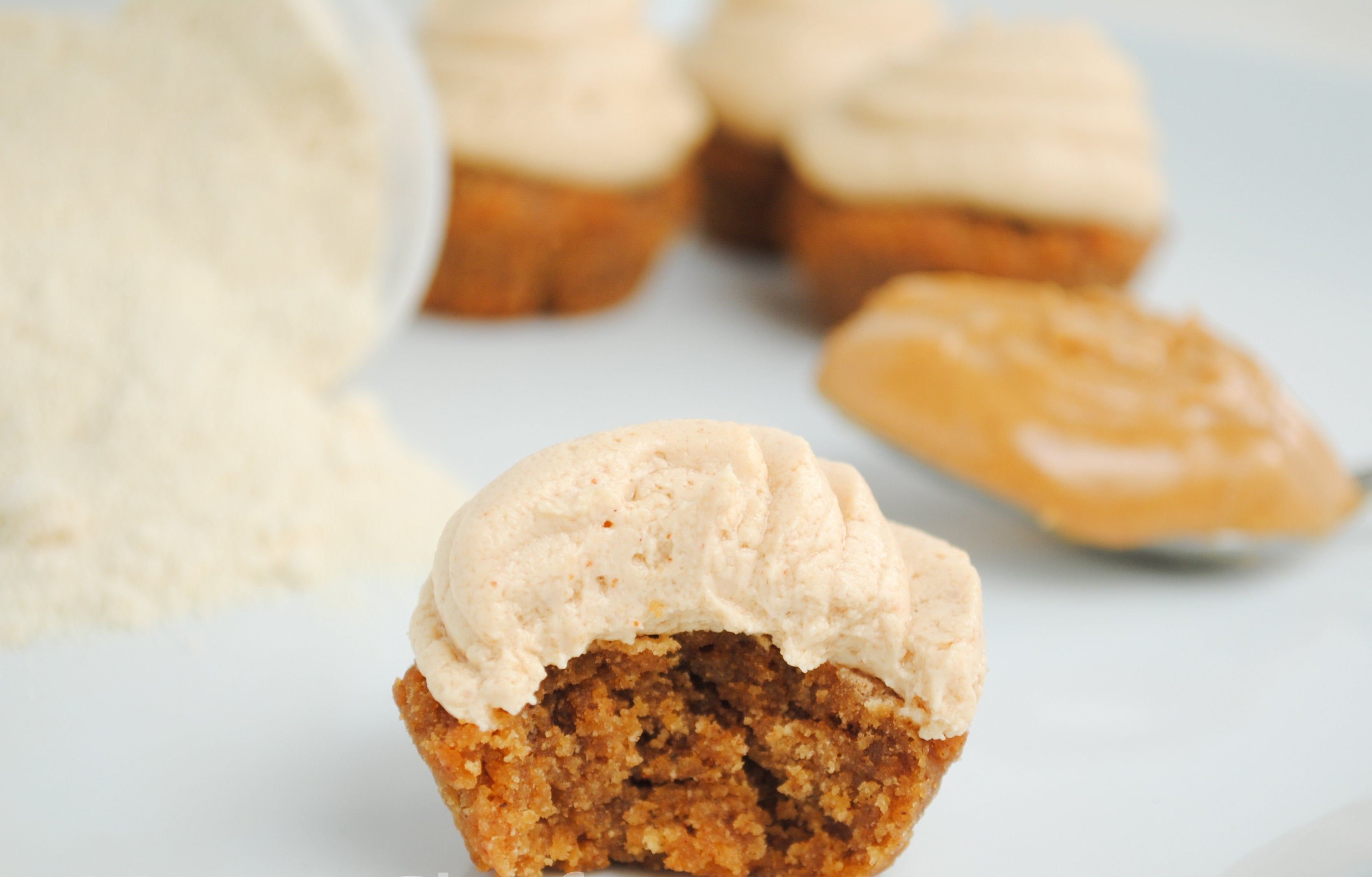 Mini-Gingerbread Peanut Butter Protein Cupcakes
