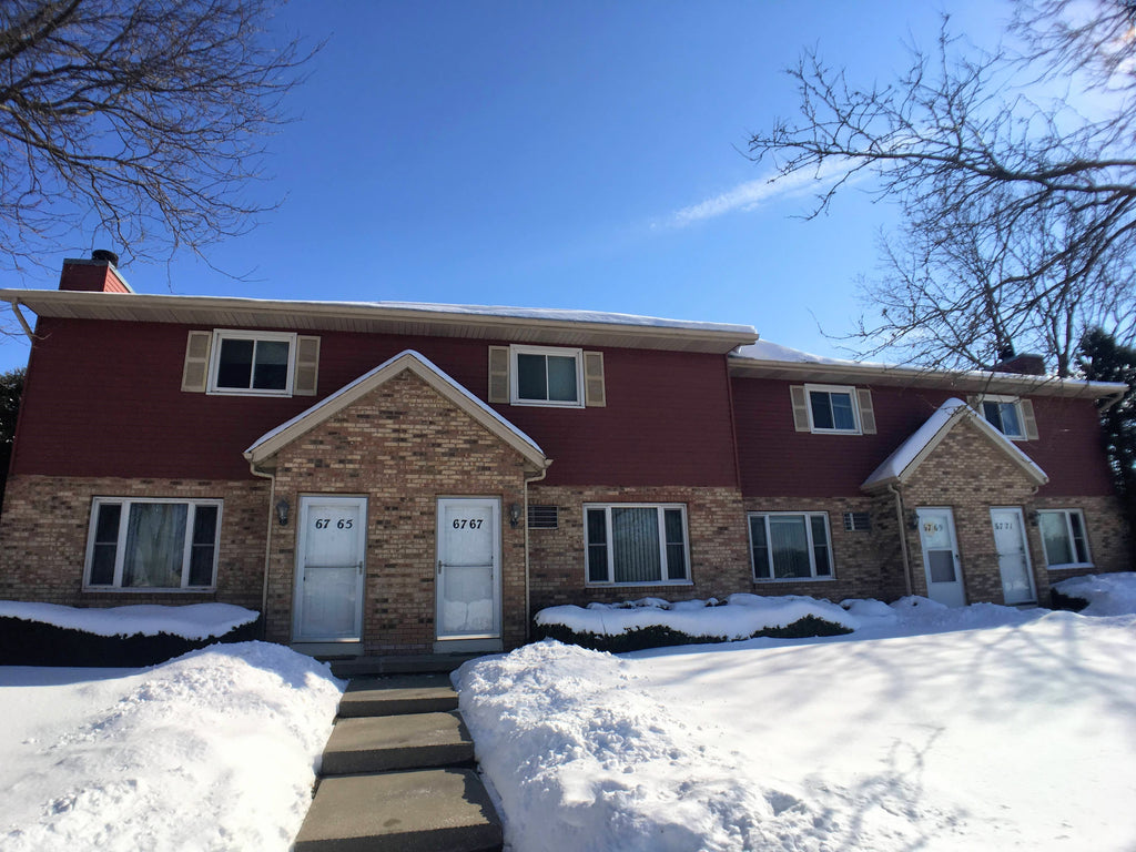 2 bed 1.5 Bath Townhouse - $1,150/month - 6767 Hammersley Road, Madison, WI 53719
