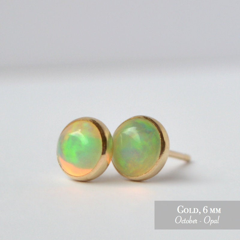 yellow gold Ethiopian opal necklace and stud earrings