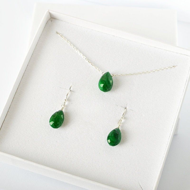 Emerald Earrings & Necklace Jewelry Set Bella - Boutique Baltique