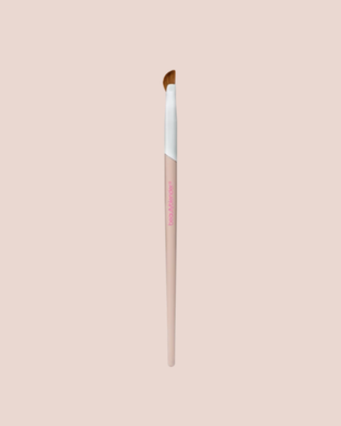 WING MAN | Curved Eyeliner Brush