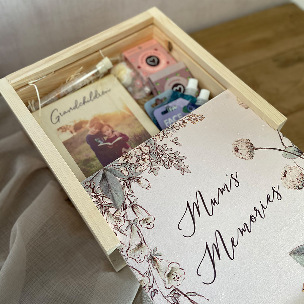 Mums Memories  Large Keepsake Box