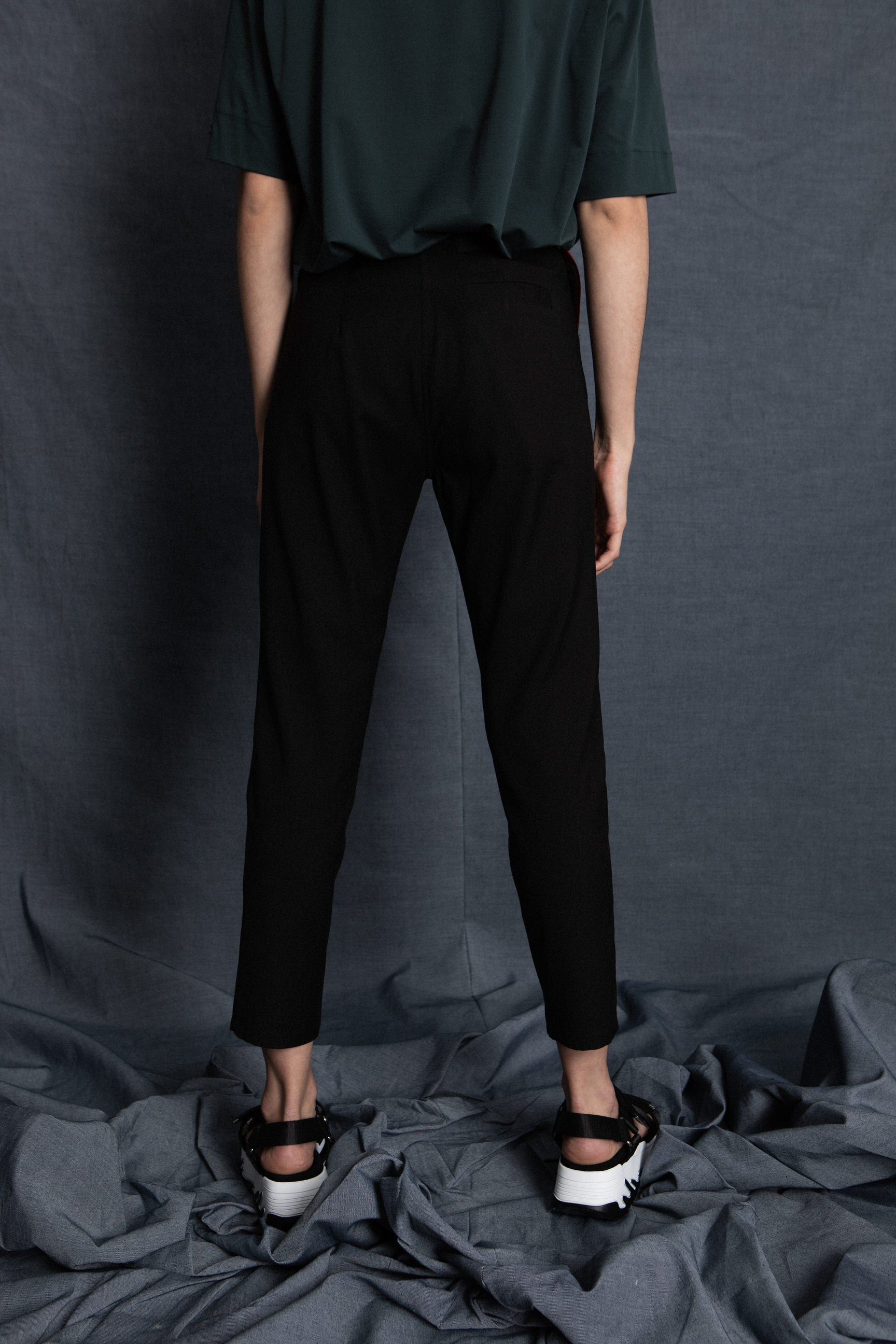 Taper black pants - heroic-online