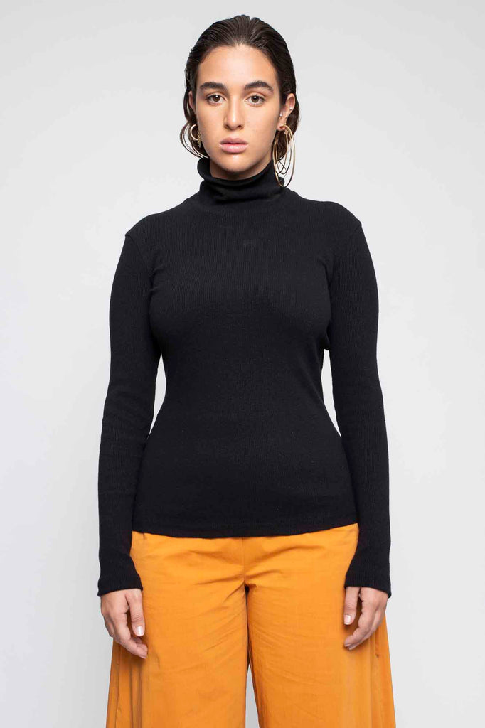 STAR turtleneck black