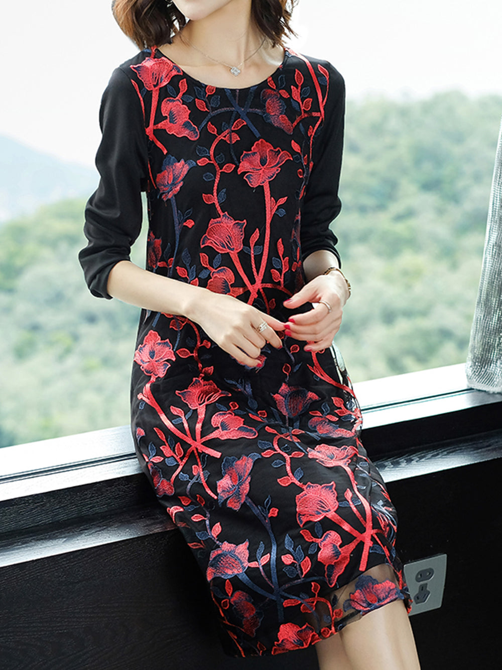 Statement Daily Floral Embroidered Midi Dresses