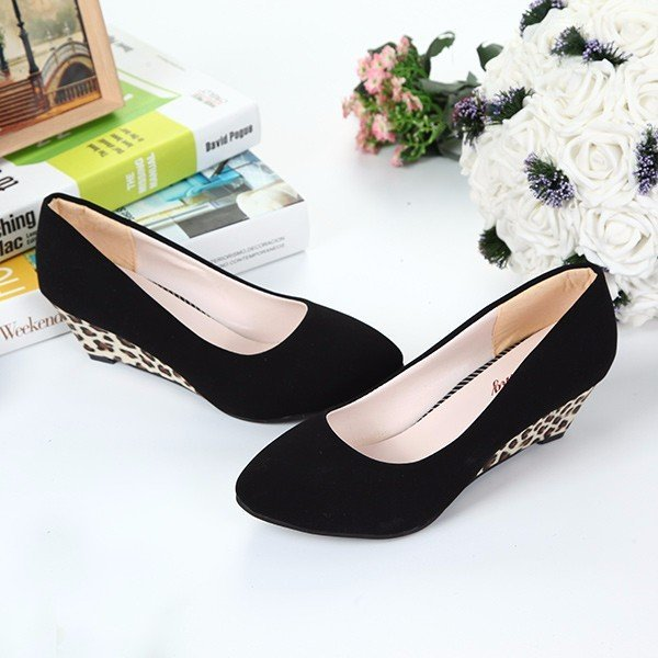 Black Wedge Heel Women's Slip-On Pumps