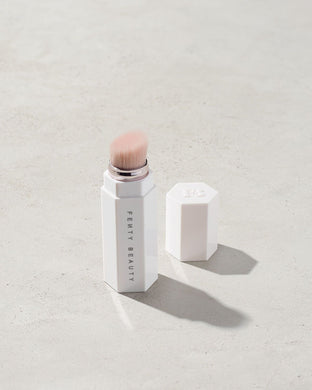 Fenty Beauty Portable Highlighter Brush (Magnetic) - mystic-beauty-international-make-up-store