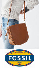 Load image into Gallery viewer, Fossil Crossbody Saddle - Tan (Big)