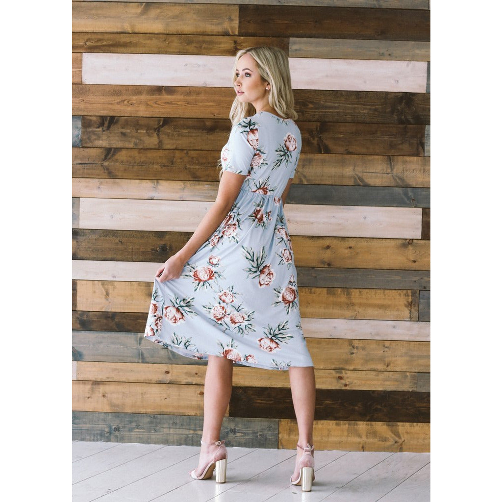 Bella Floral Midi Dress in Light Blue
