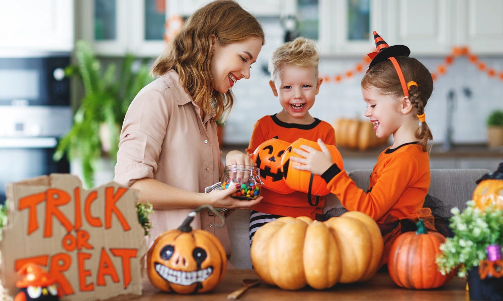 5 Tips for a Healthy Halloween (Plus 1 Detox Recipe Just in Case)