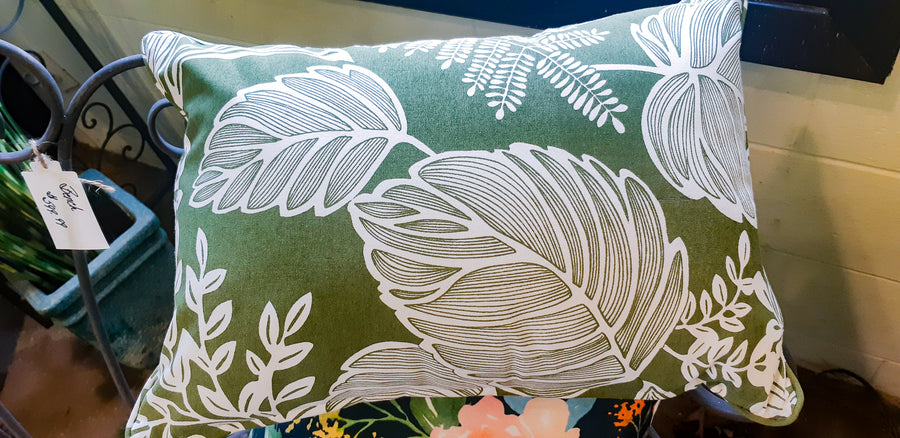 Green Leaf Pillow - Mori Gardens