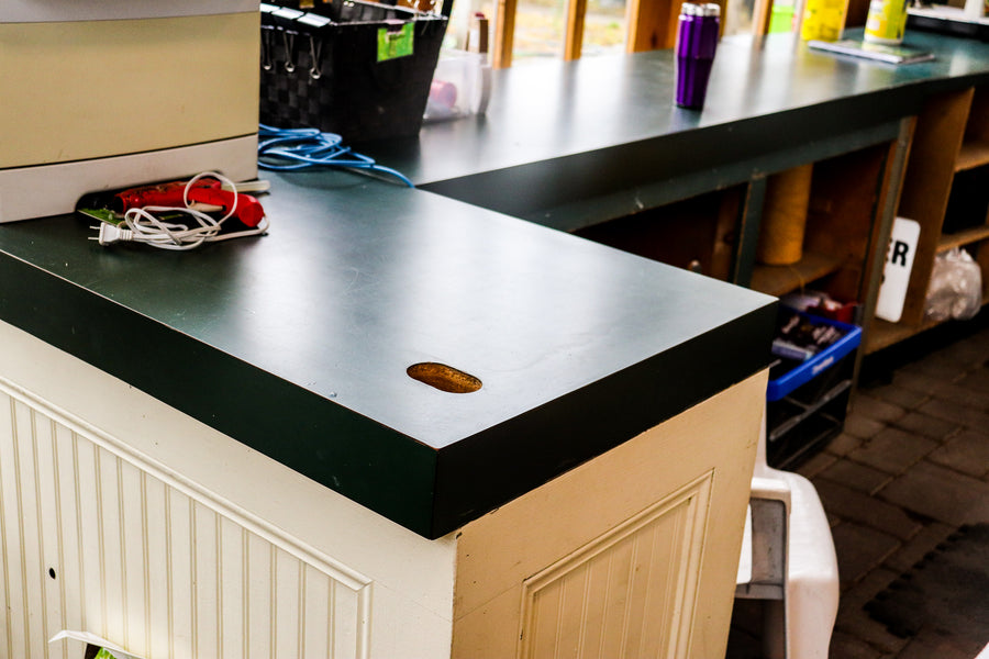 Counter Large L With Green Laminate Top 8x2x4x3