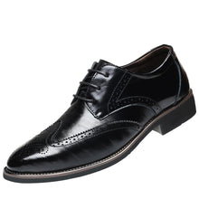 Load image into Gallery viewer, Classical Style Men's Breathable Hollow Business Casual Pointed Shoes