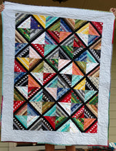 Load image into Gallery viewer, Scrappy Strings modern lap quilt