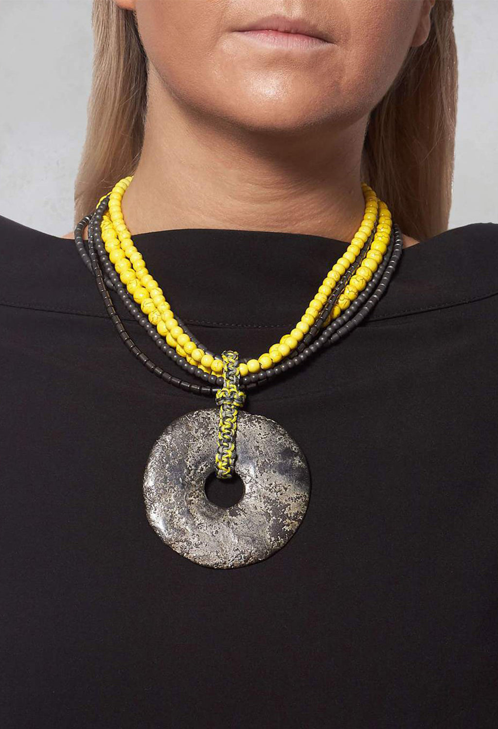 Howlite Necklace in Yellow