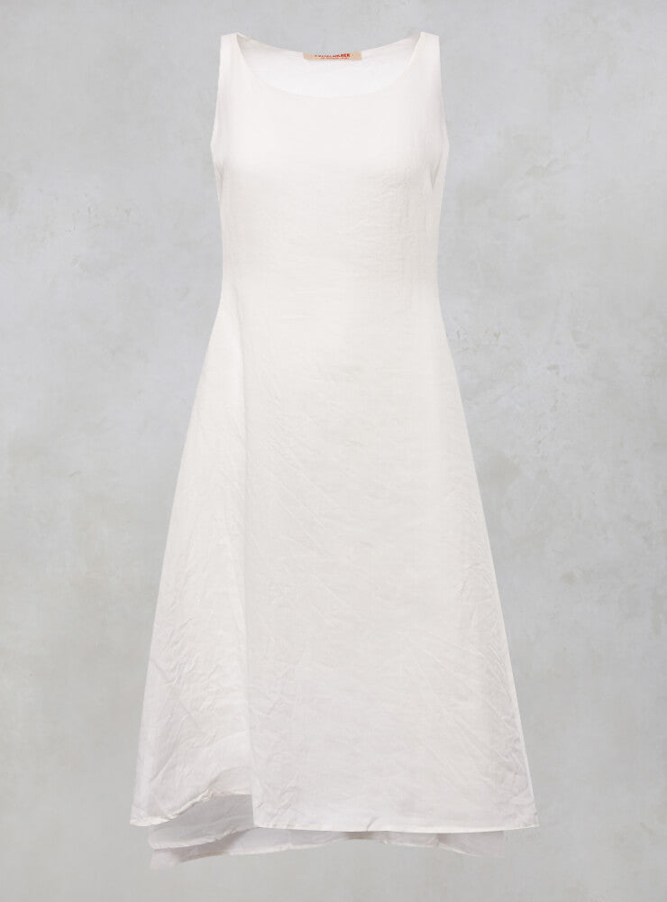 Sleeveless A Line Dress with Tie Back in Schnee
