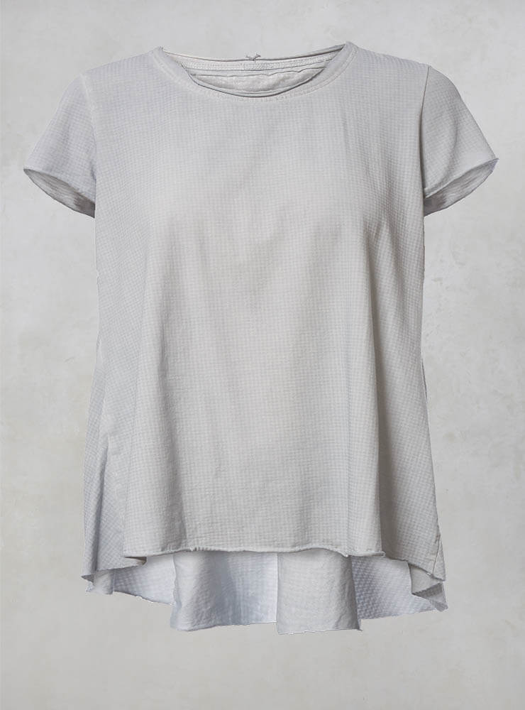 Loose Fitting T Shirt with Raw Hem in Grey Print