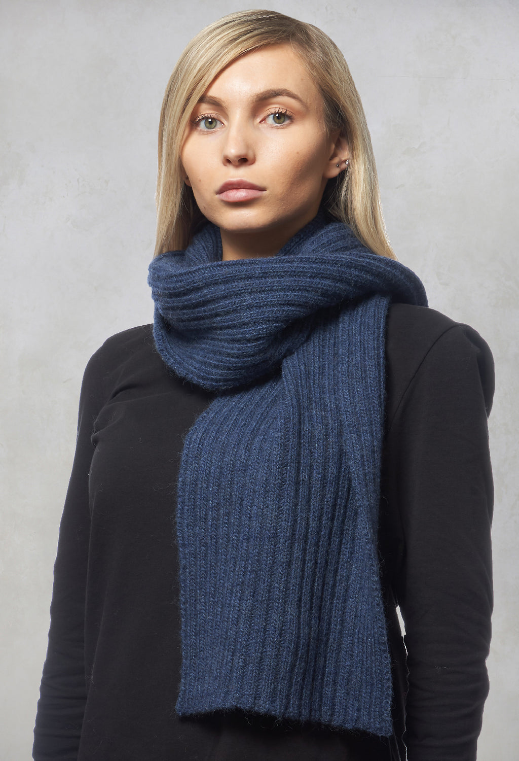 Knitted Ribbed Scarf in Blue