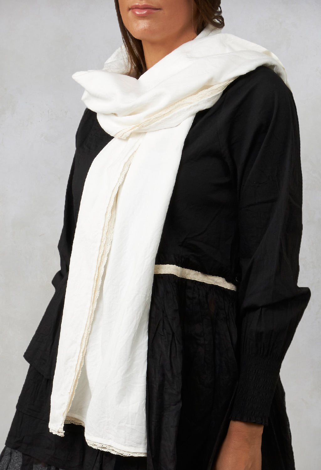 Pauline Lace Edged Scarf in Twill Ecru