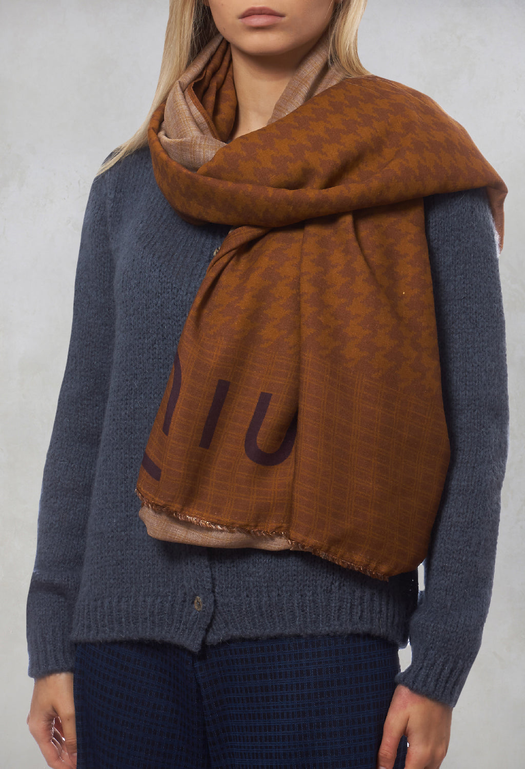 Patterned Scarf in Bronzo