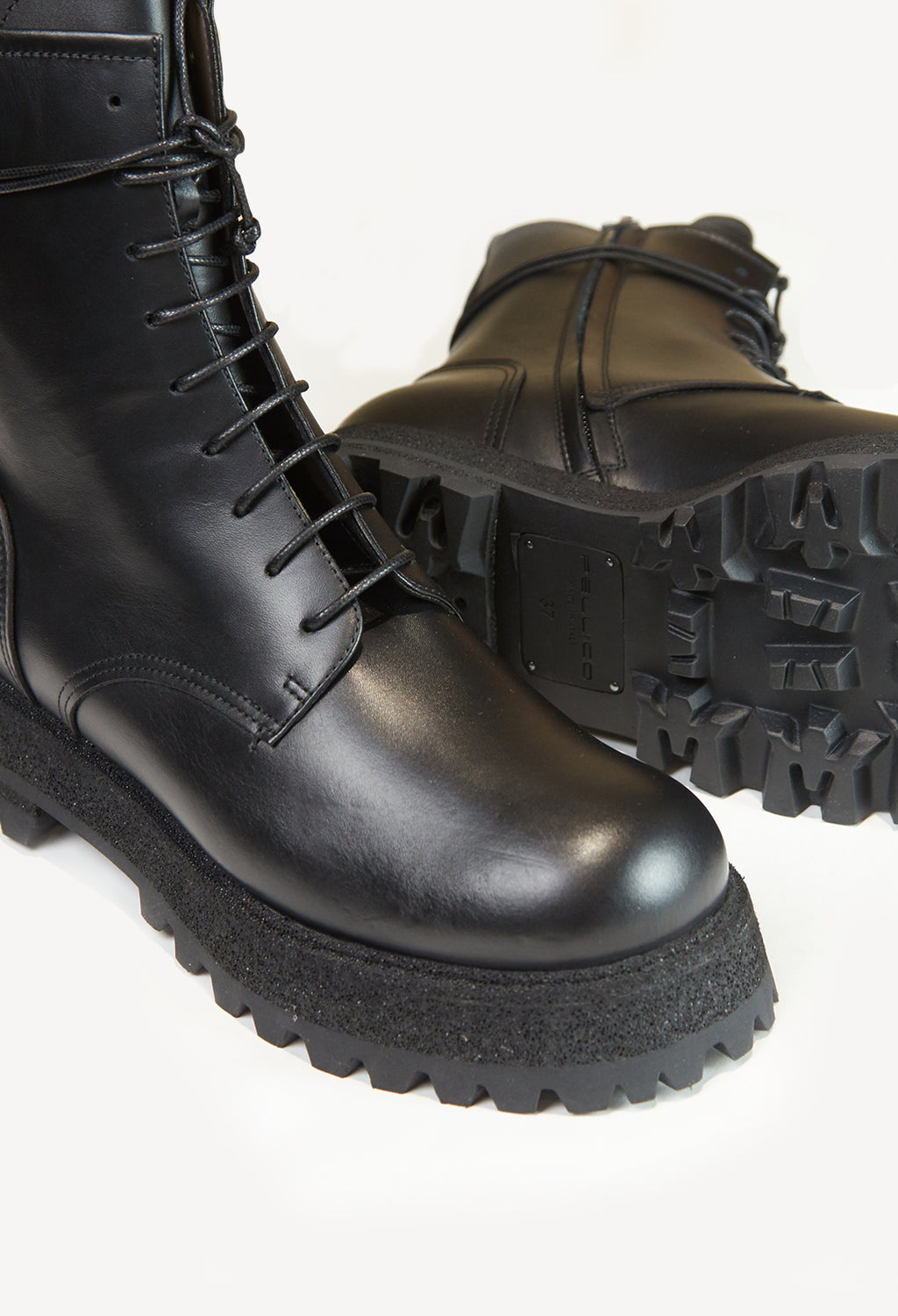 Lace Up Boots in Maremma Nero