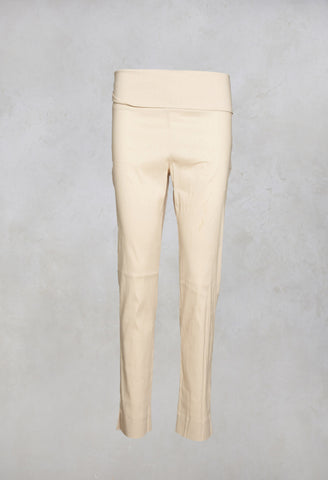 Skinny Trousers in Stone
