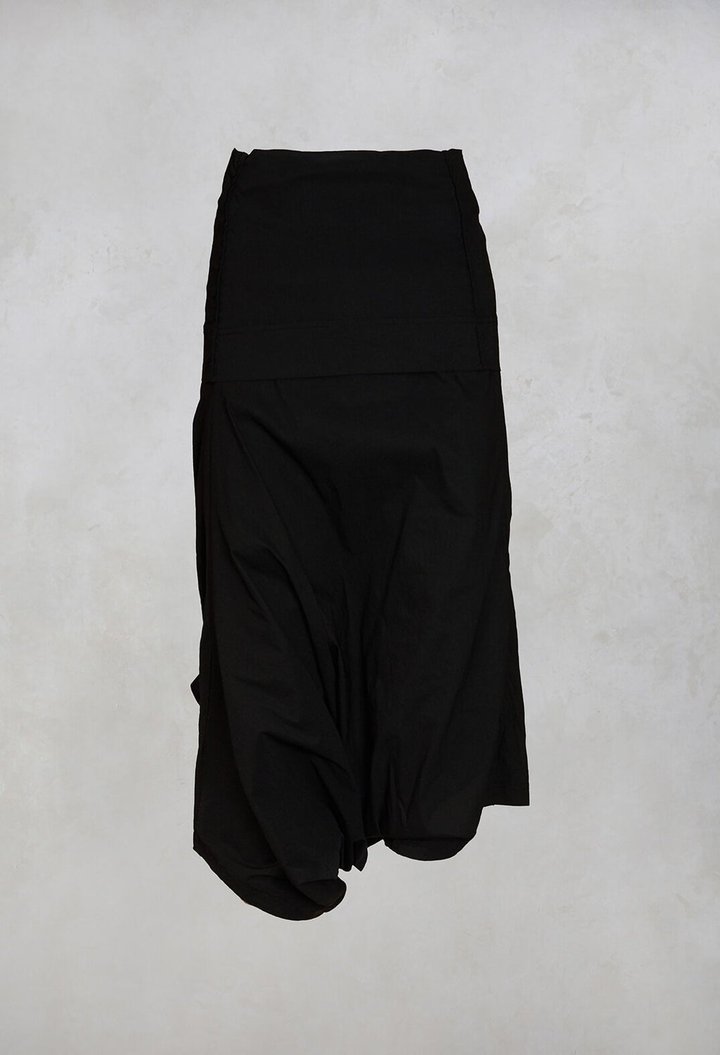 3/4 Drop Crotch Trousers in Black
