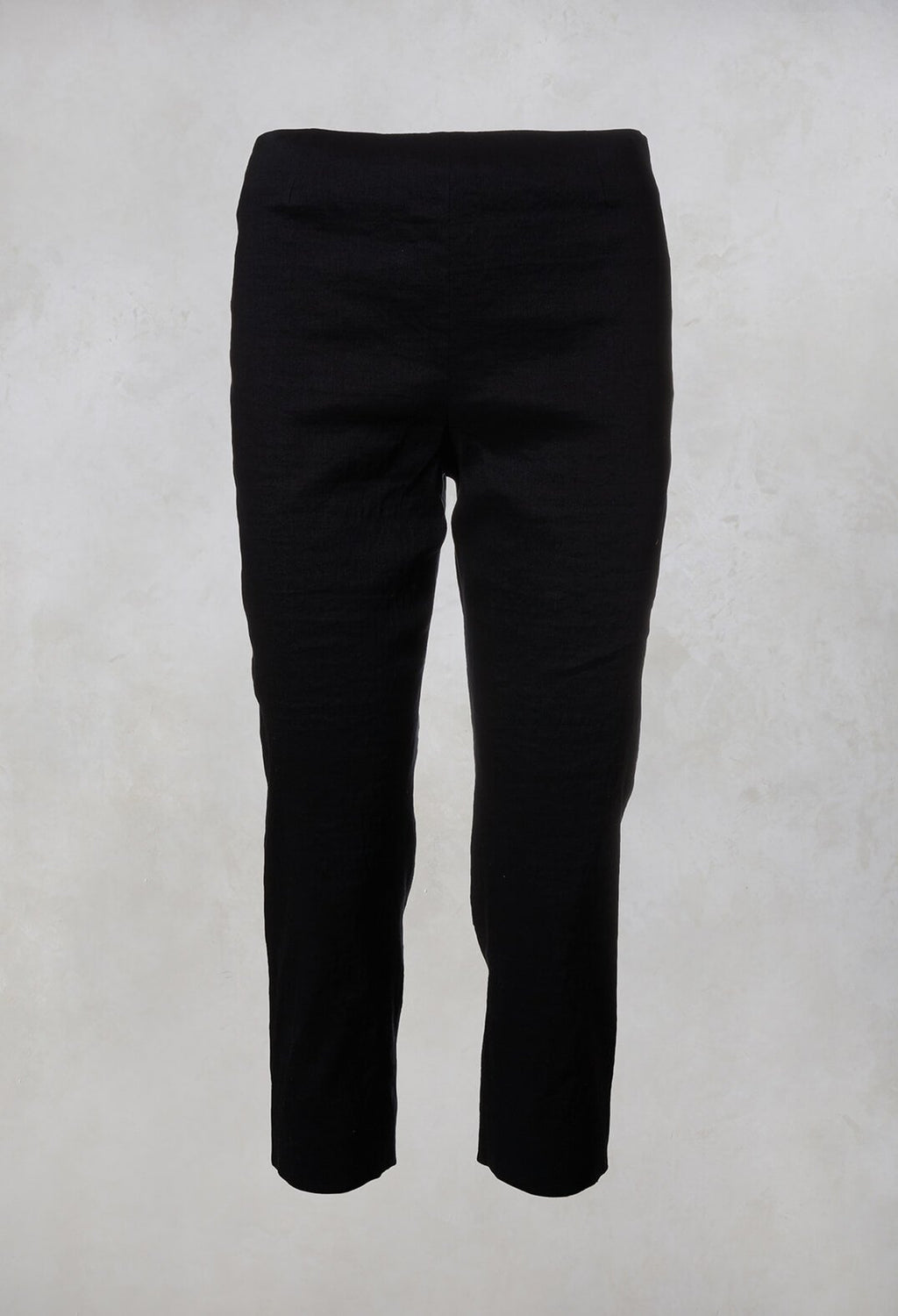 3/4 Trousers in Navy