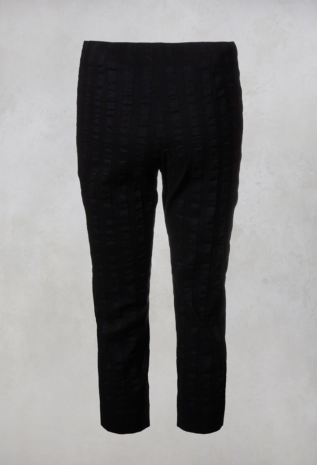 3/4 Trousers in Stripe / Navy