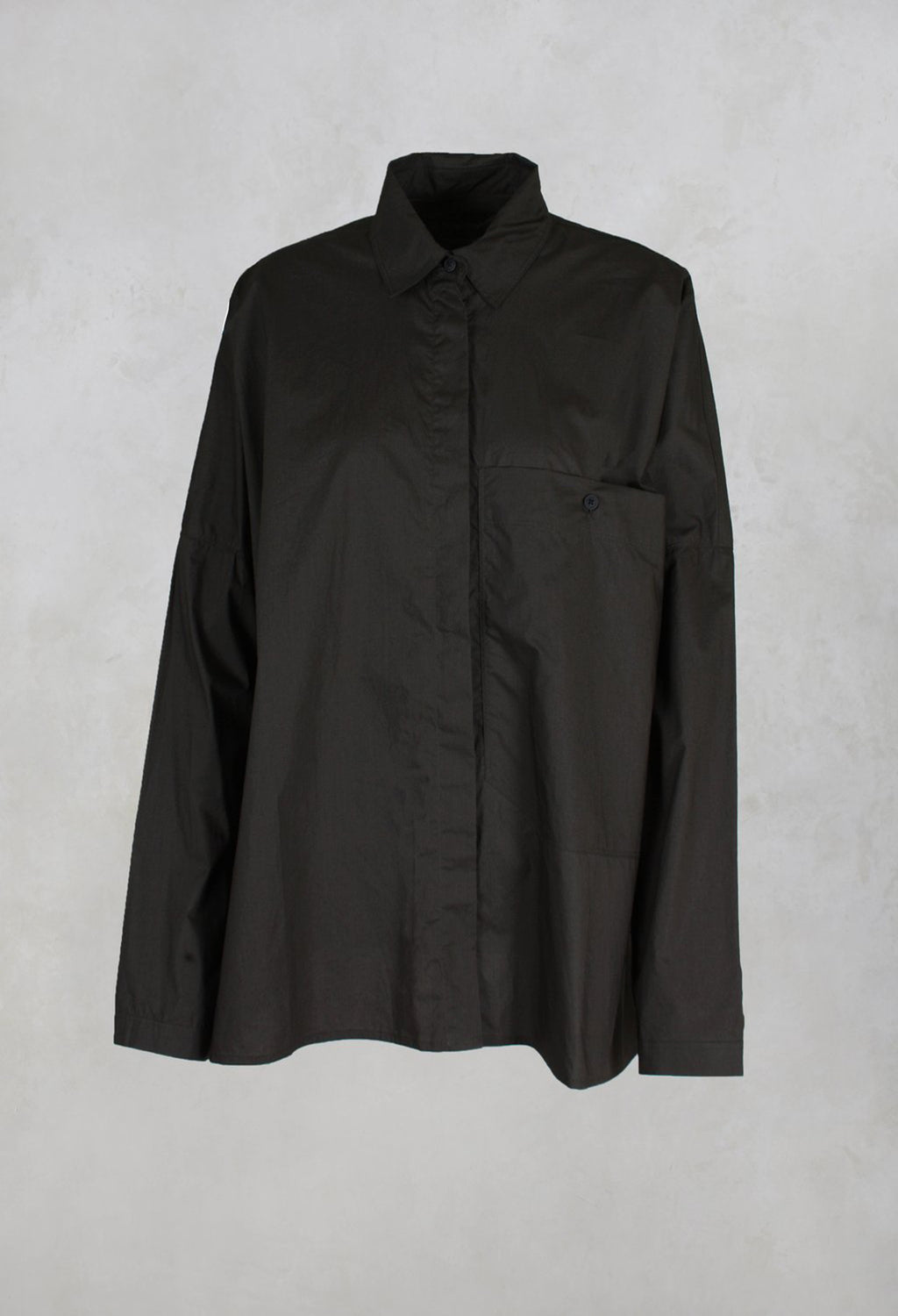 Wide Shirt with Large Pocket in Mocca