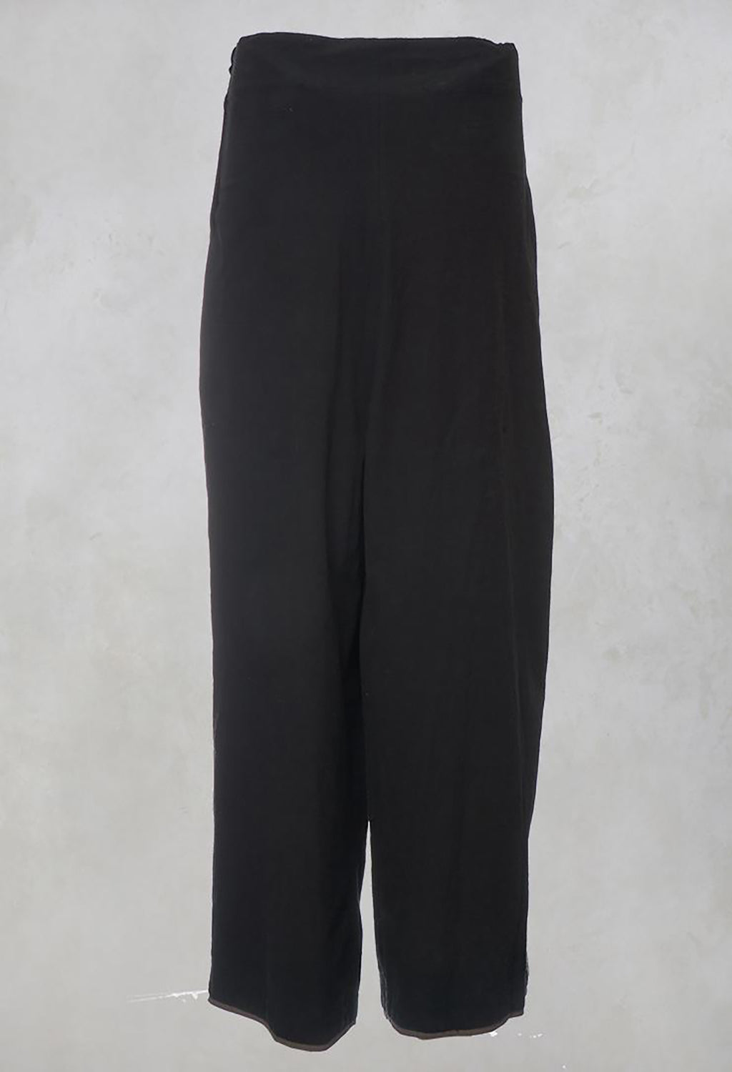 Black Trousers with Pleats and Front Tie