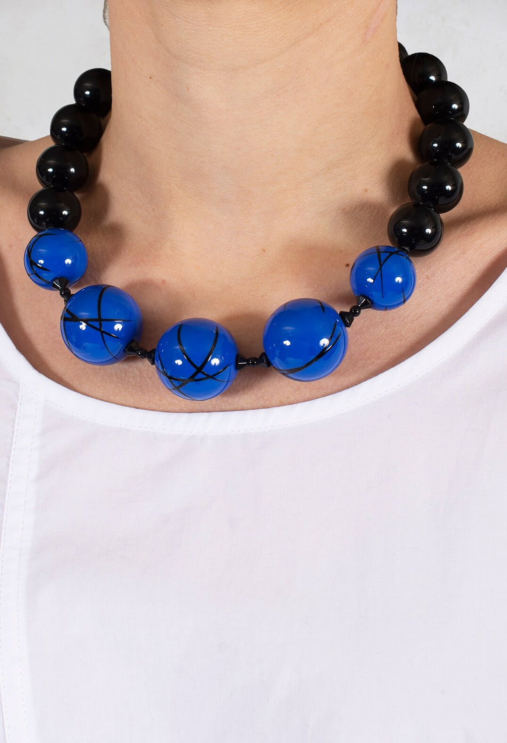Ball Necklace in Black / Blue