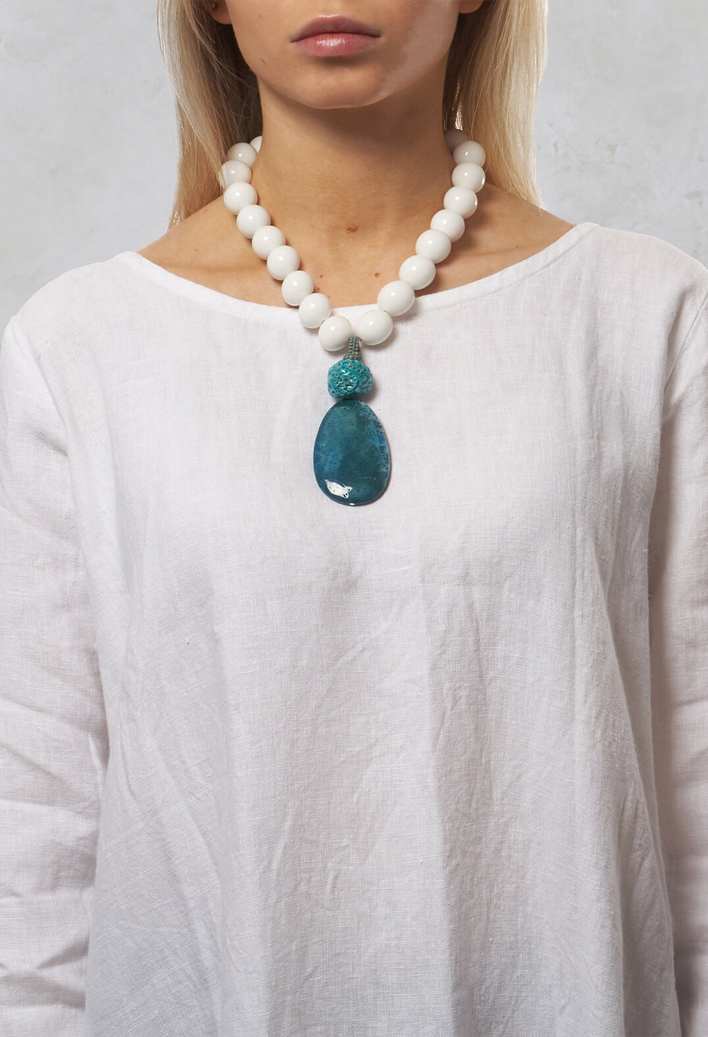 Beaded Necklace in White / Blue