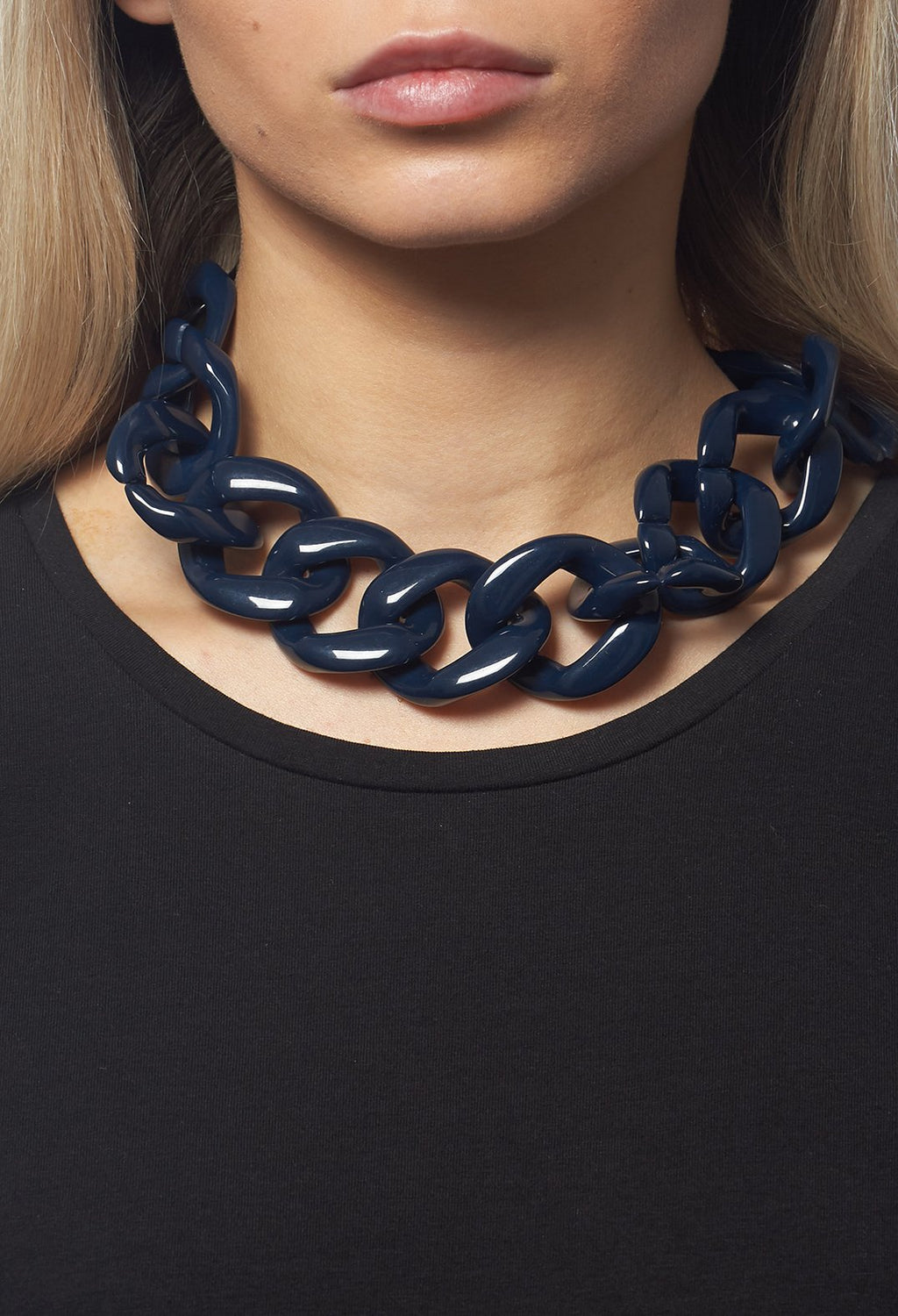 Chain Necklace in Navy / Black