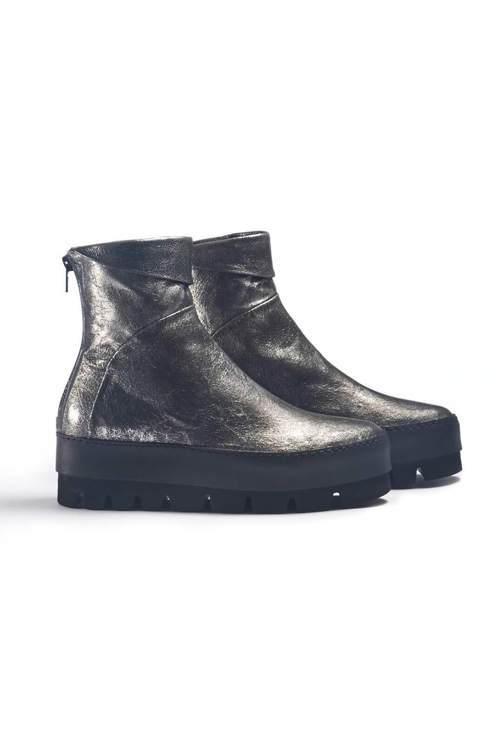 Chunky Leather Ankle Boots in Ematite Acciaio