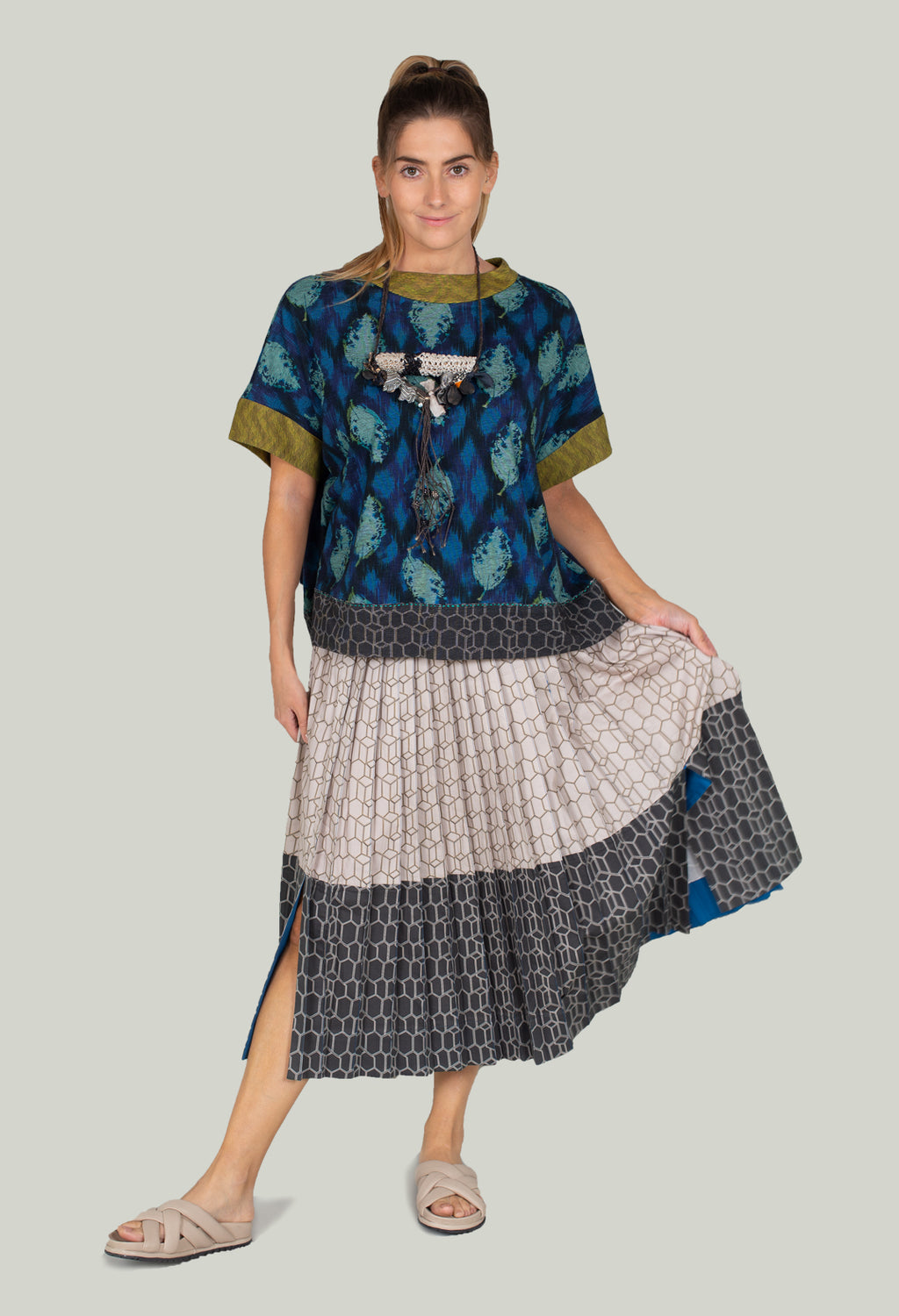 Multipleats Atena Skirt in Moonstruck