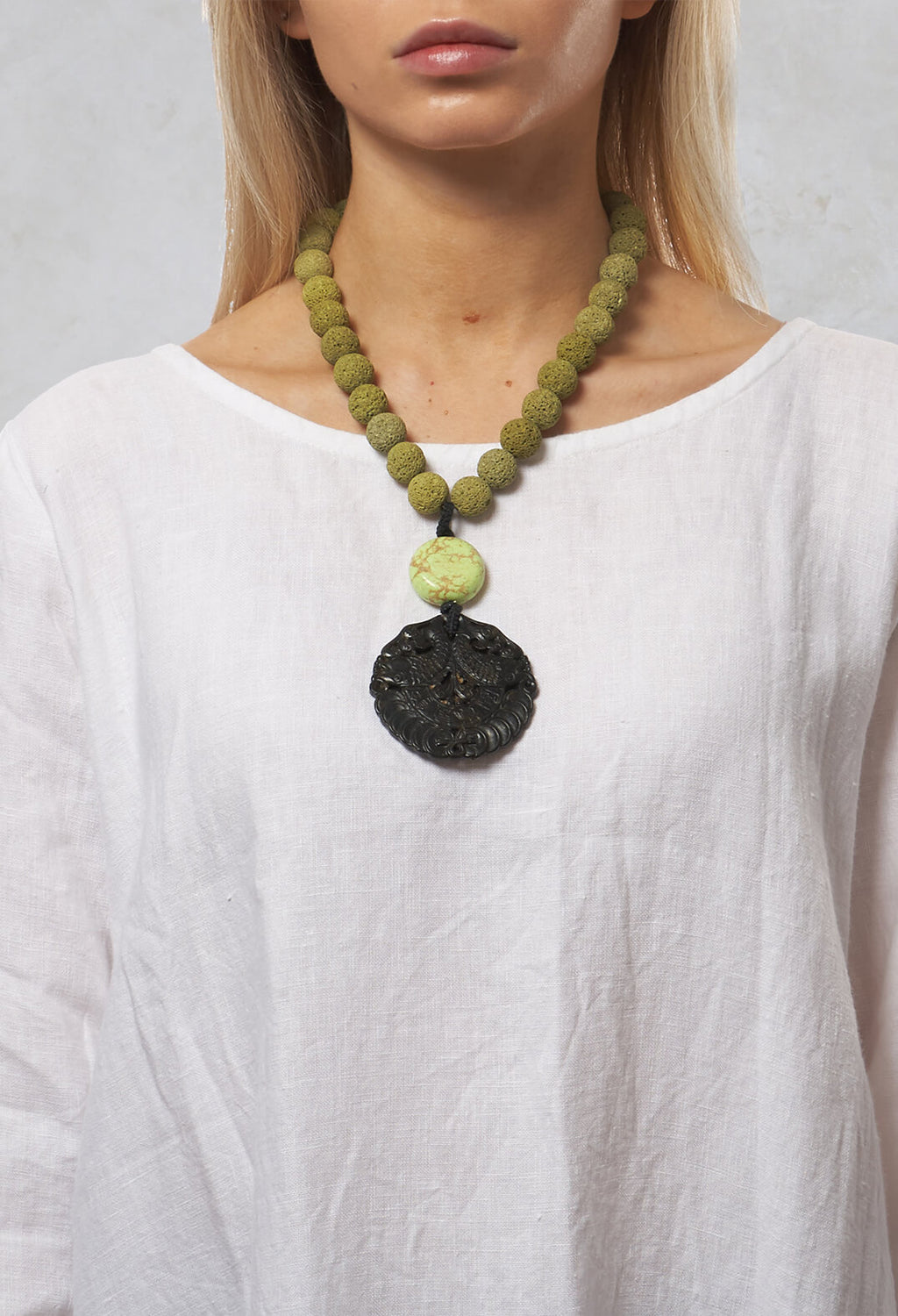 Coral Pentant Necklace in Green / Lava