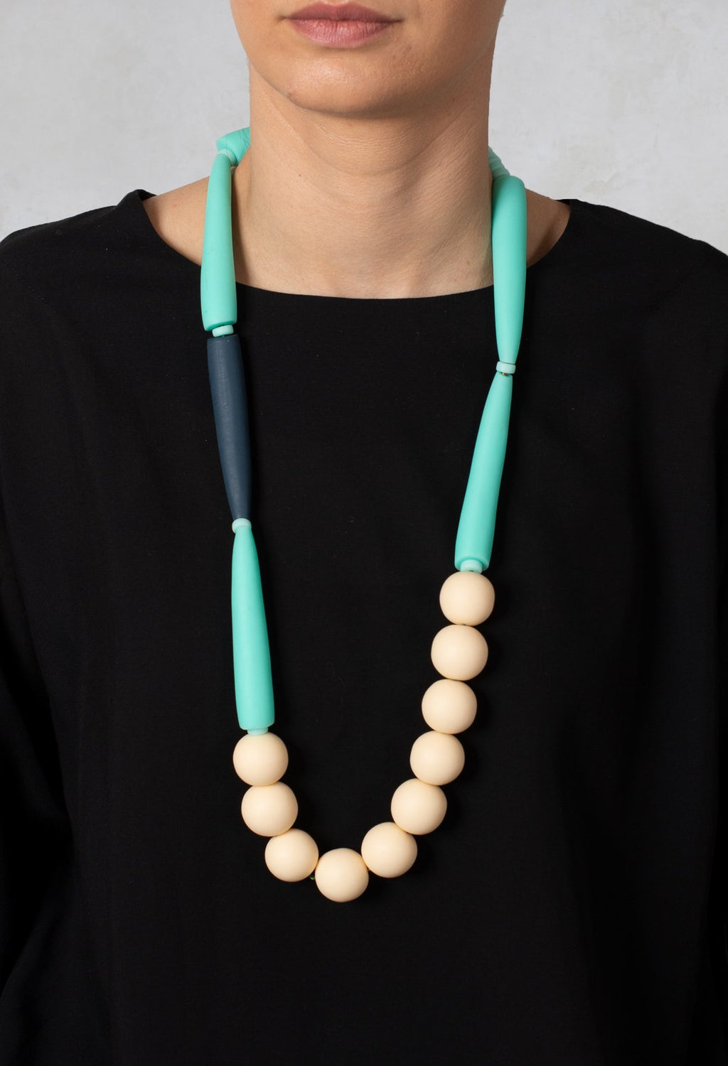Cream Necklace in Atoll
