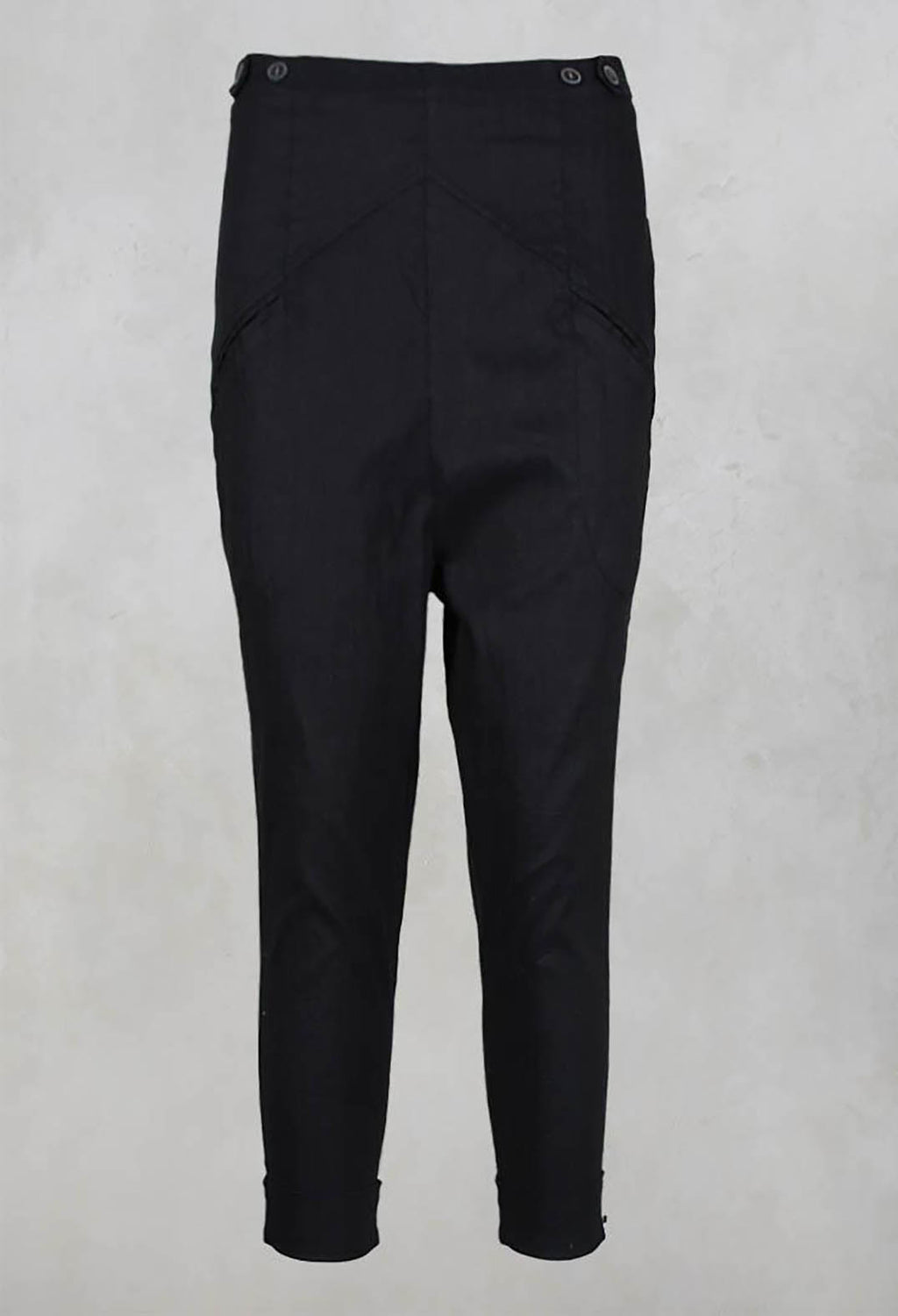 Cropped Drop Crotch Trousers in Noir