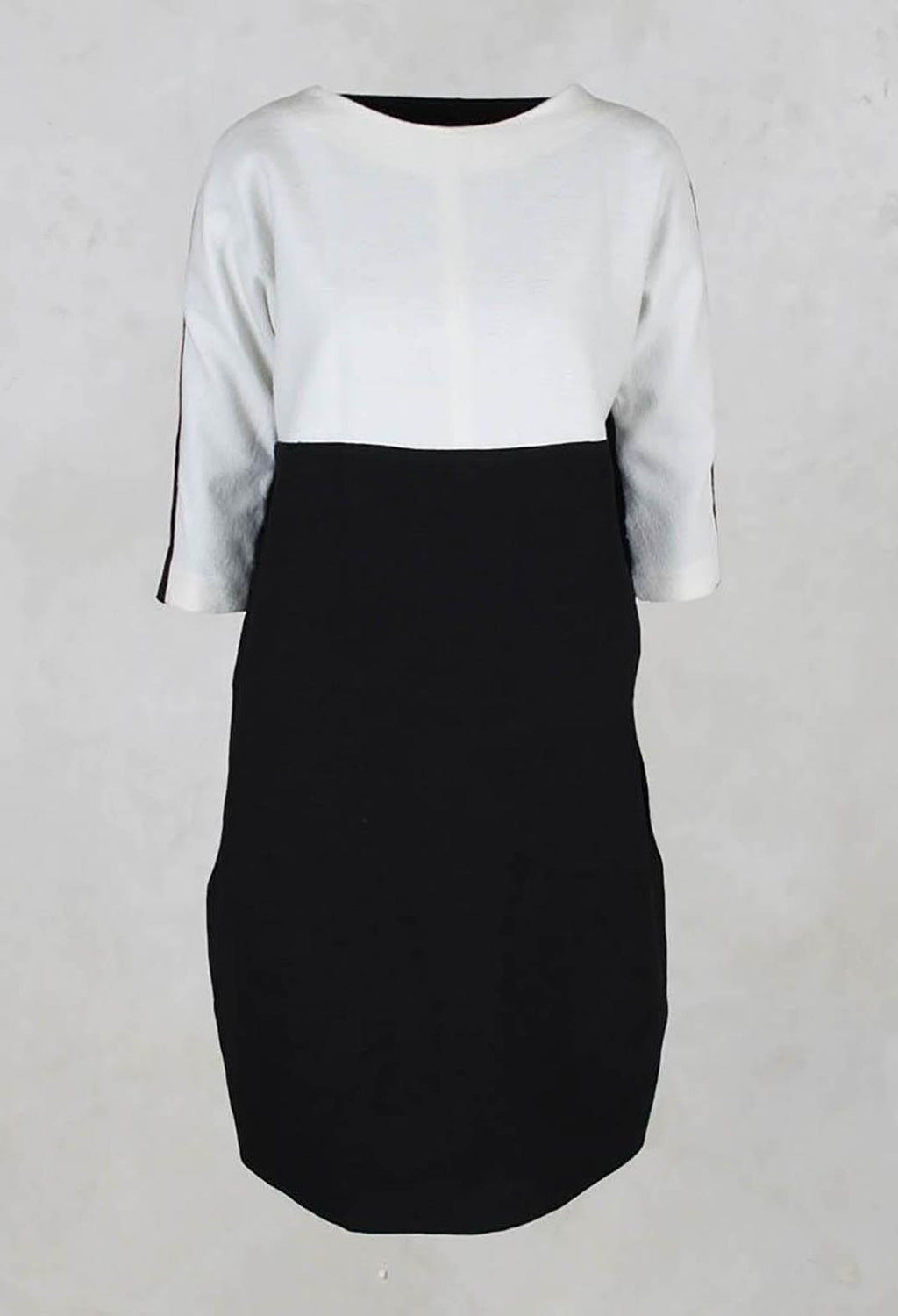 Dress with 3/4 Sleeves in Black/White
