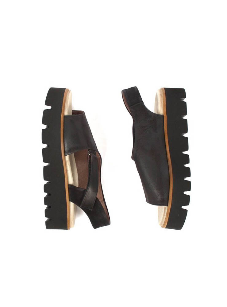 Platform Sandals with Side Strap in Gasoline Nero