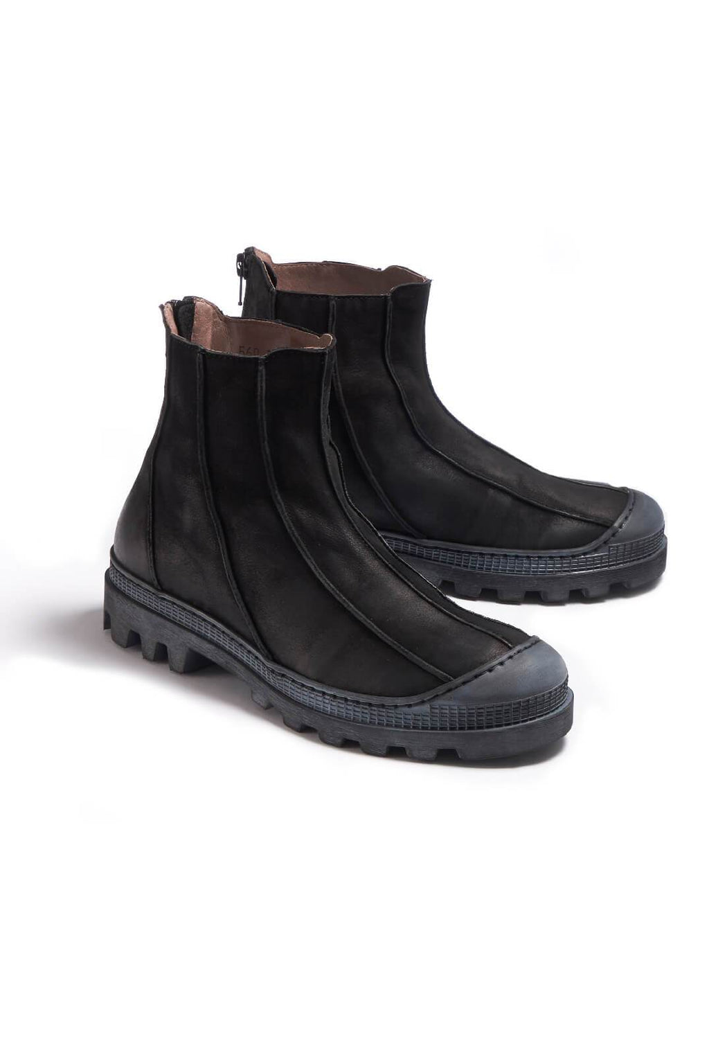 Leather Ankle Boots in Gasoline Nero