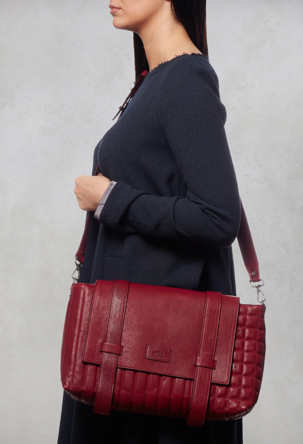 Leather Messenger Bag in Bordeaux