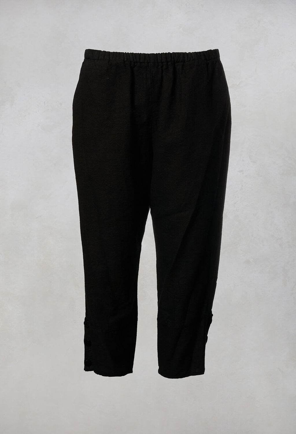 Linen Cropped Pants in Black