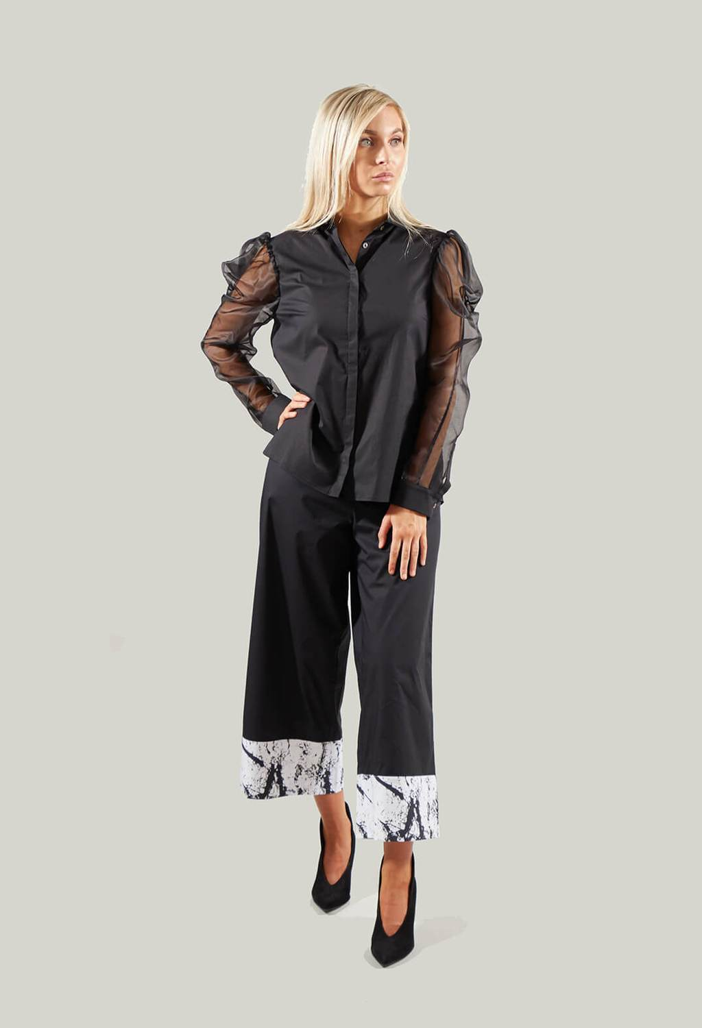 Shirt with Sheer Sleeves in Kuuya